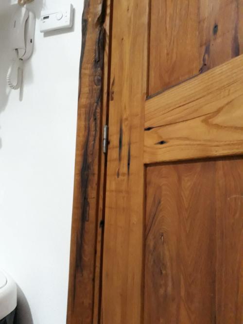dettaglio porta artigianale