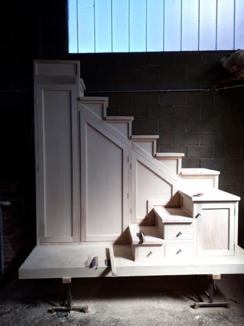 lavorazione scale mobile legno