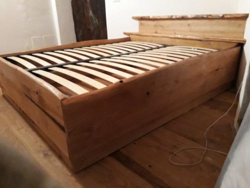 letto artigianale in legno